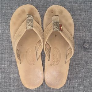 Size 5.5/6 tan rainbow sandals